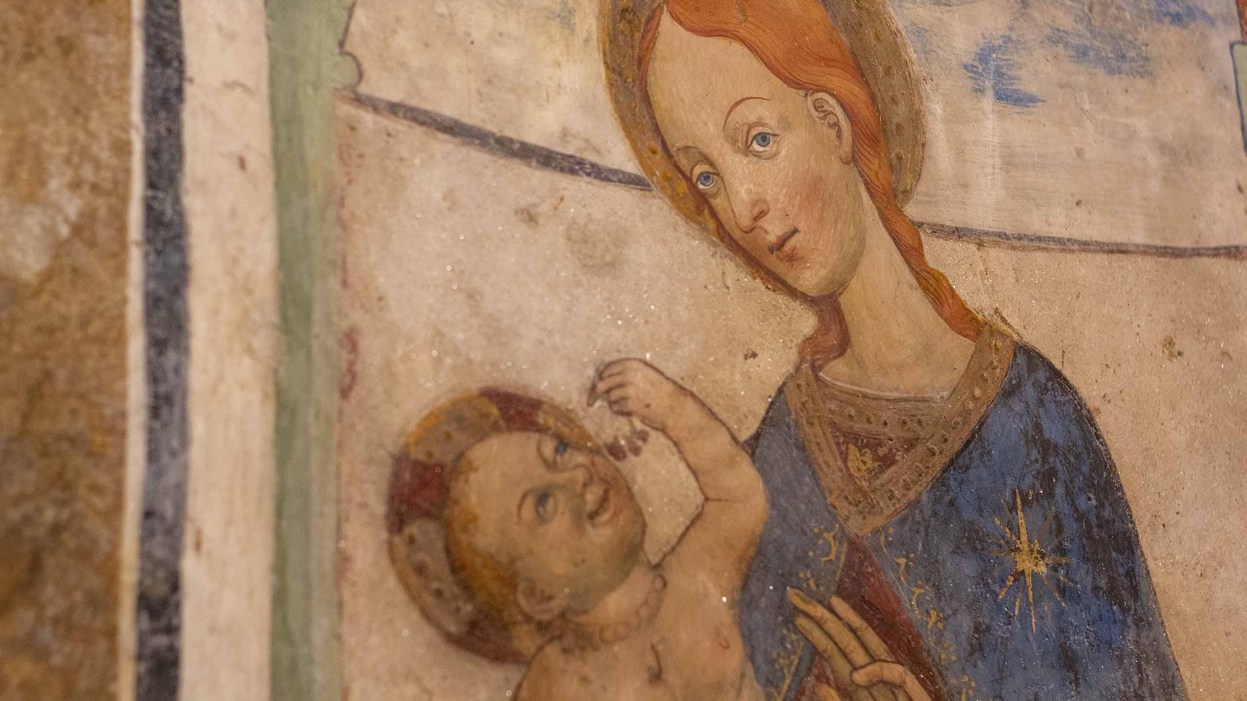 Madonna e Gesù bambino con ciliege_Cappella di San Sebastiano_Giaveno_interno